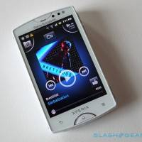 sony_ericsson_xperia_mini_facebook_hands-on_sg_11