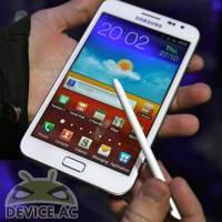white-galaxy-note-vs-galaxy-nexus-01