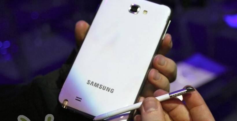 white-galaxy-note-vs-galaxy-nexus-12