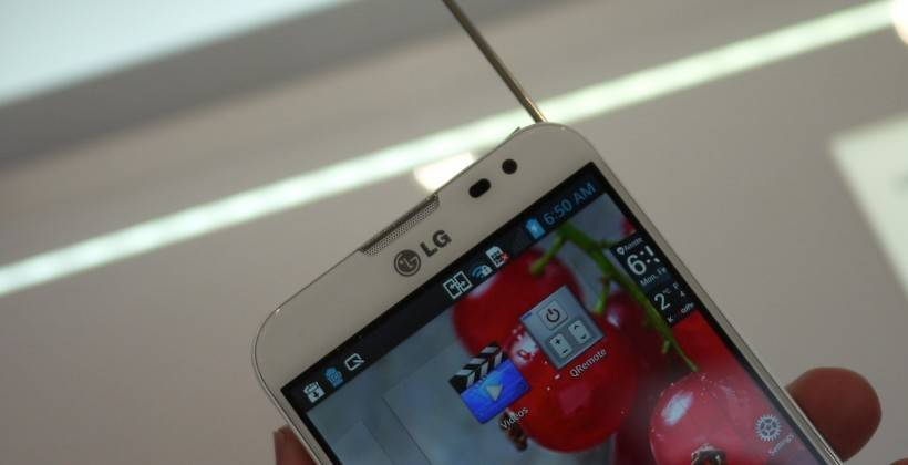 lg_optimus_g_pro_hands-on_ac_9