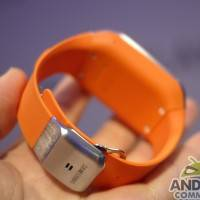 samsung_galaxy_gear_smartwatch_ac_11