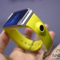 samsung_galaxy_gear_smartwatch_ac_21
