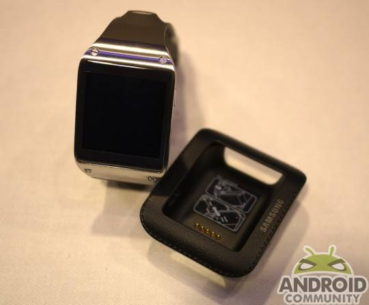 samsung_galaxy_gear_smartwatch_ac_26