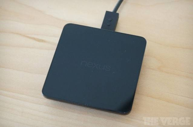 nexus-5-wireless-charger