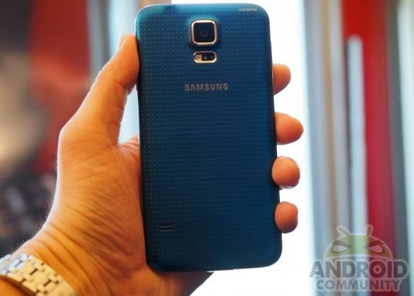 samsung_galaxy_s5_hands-on_ac_4-586x420