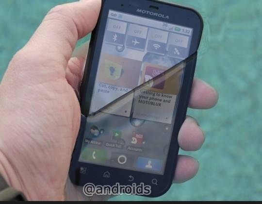 motorola-defy-in-swimming-pool-540x4791