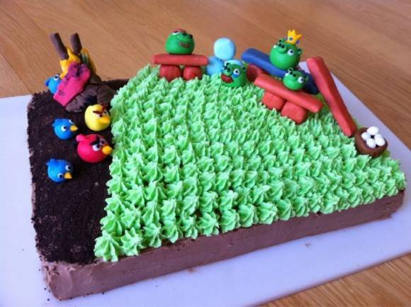 angry-birds-cake-580x433