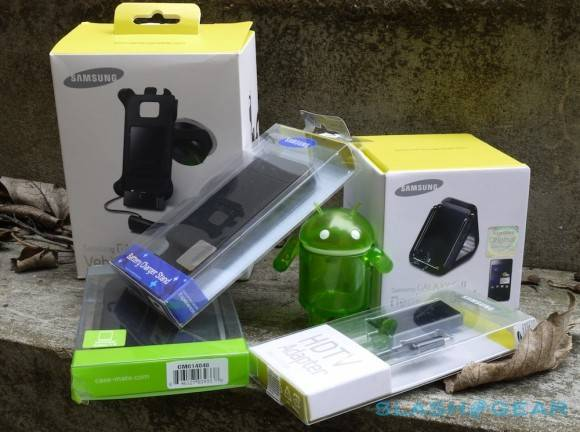 samsung_official_galaxy_s_ii_accessories_sg_0-580x432