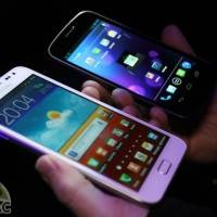 white-galaxy-note-vs-galaxy-nexus-21