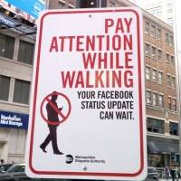 pay-attention-while-walking-400x416
