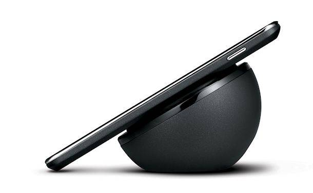 LG-Nexus-4-Wireless-Charging-Orb-02