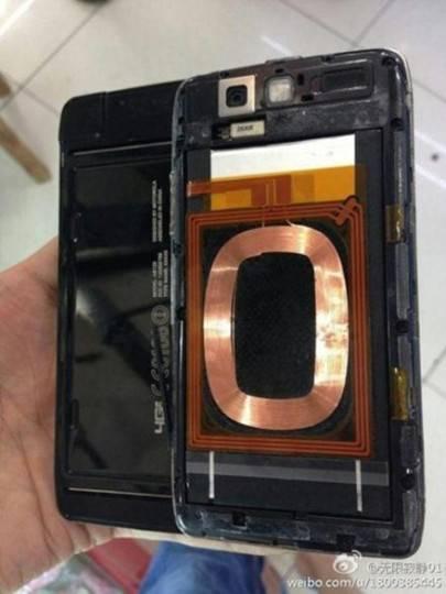 Motorola-DROID-5-2