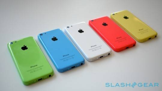 iphone_5c_hands-on_sg_10-540x302