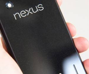 Google-Nexus-4-Review-back-angle