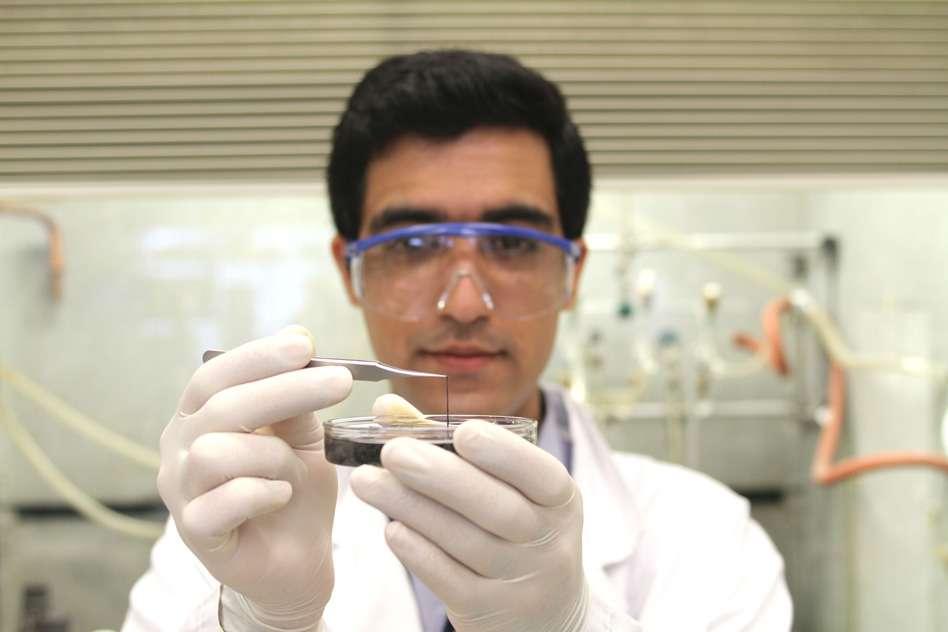nanowire-supercapacitors-2@2x