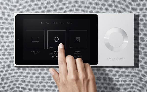 bang-and-olufsen-beolink-moment