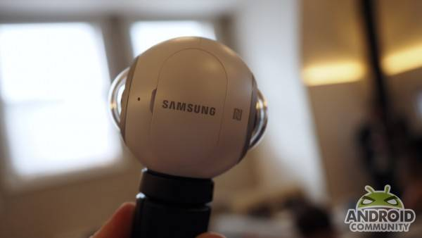samsung-gear-360-camera-ac-1