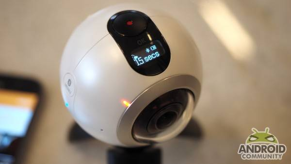 samsung-gear-360-camera-ac-13