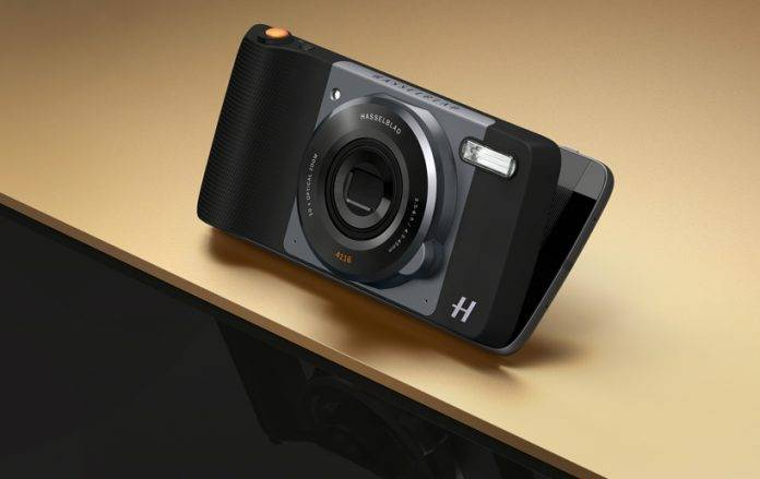 Moto Z Play rolls out with the Hasselblad True Zoom Moto Mod