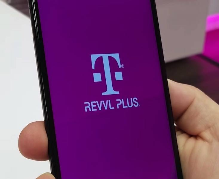 Watch the unboxing of the new T-Mobile REVVL Plus - Android