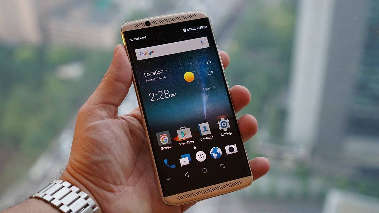 ZTE shares kernel source to ROM developers, LineageOS 15 for Axon 7