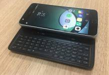 Slider Keyboard Moto Mod for the Moto Z