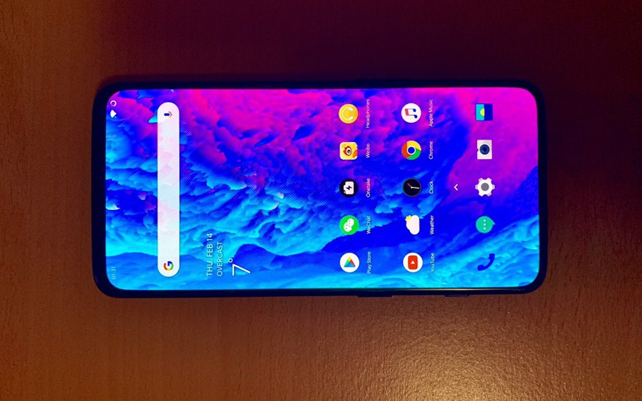 OnePlus 7 live images appear on Twitter, with no notch or