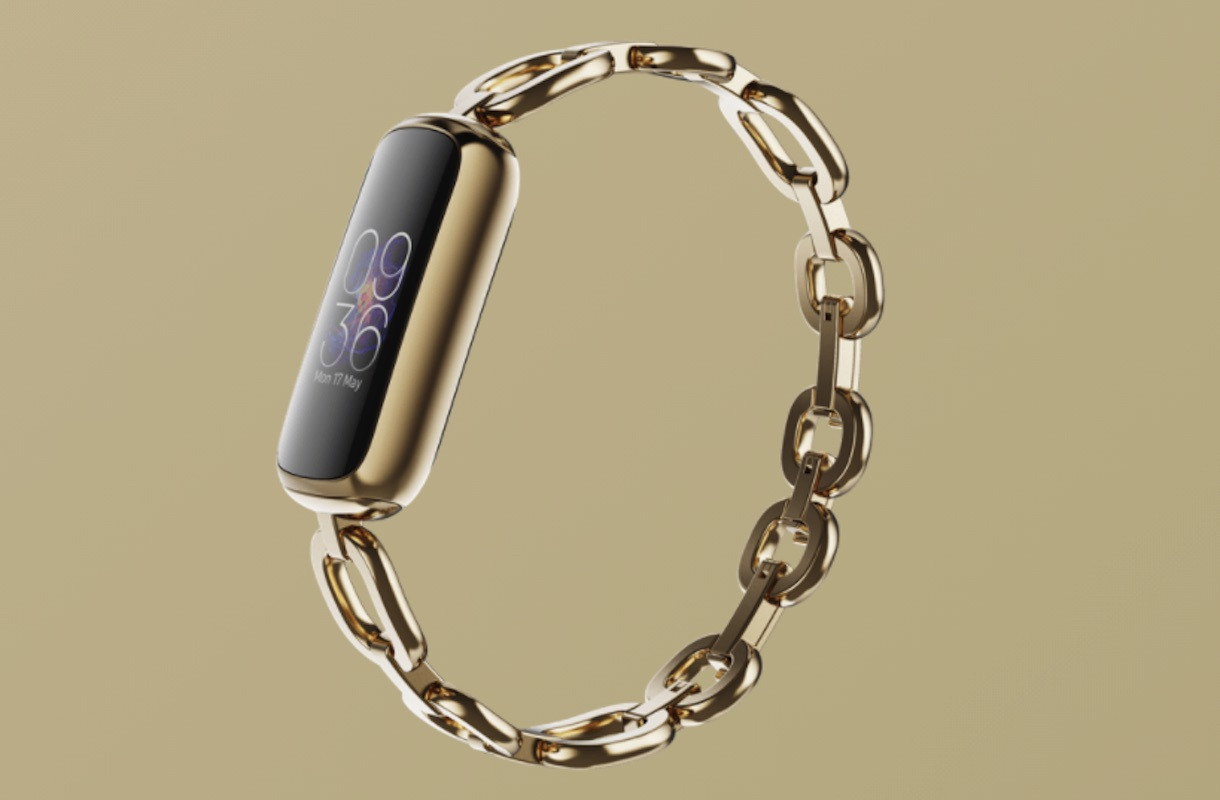 Fitbit Luxe Special Edition gorjana Soft Gold Stainless Steel Parker Link Bracelet